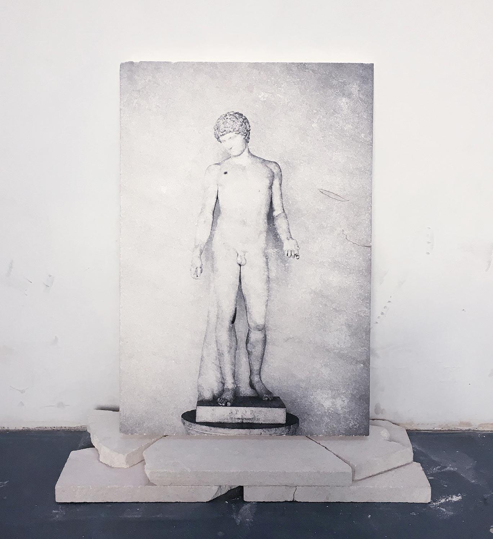 Apollon, impression sur pierre calcaire © Dune Varela